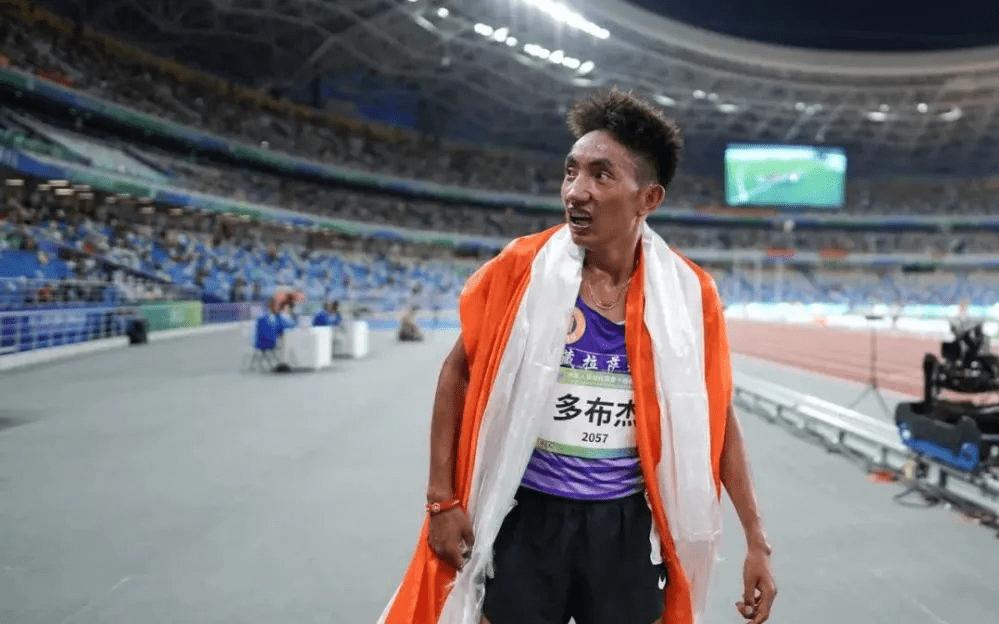 男子5000米多布杰摘金 实现5000与10000米双冠