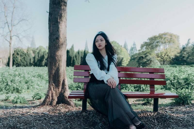 """郭沁唱响""""蜕变""""三部曲 《她的年轮》破茧上线见证少女成长"""