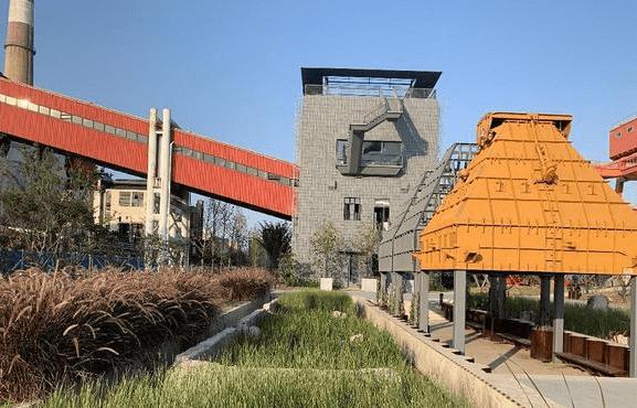 曾是上海重要的发电厂,远东第一大发电厂,如今被改建成公园