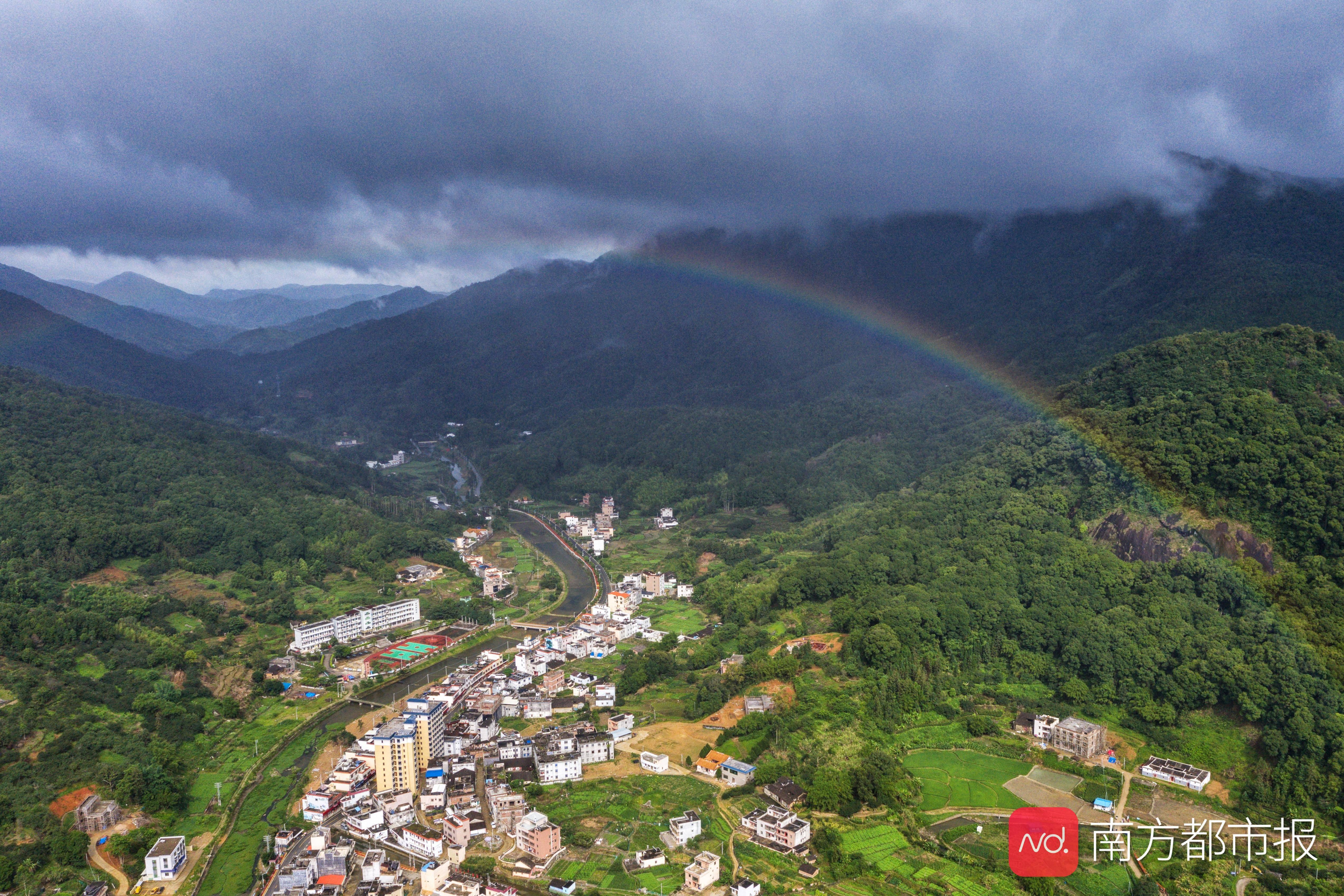 陆河雨后见彩虹,天气预报明天以