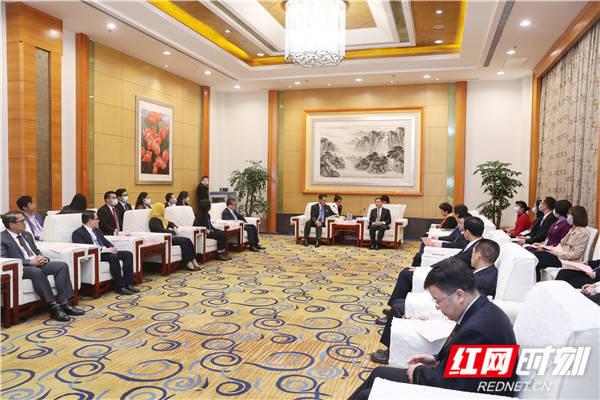 """张宏森会见""""中国-东盟共建海上丝绸之路""""中外联合参访团"""