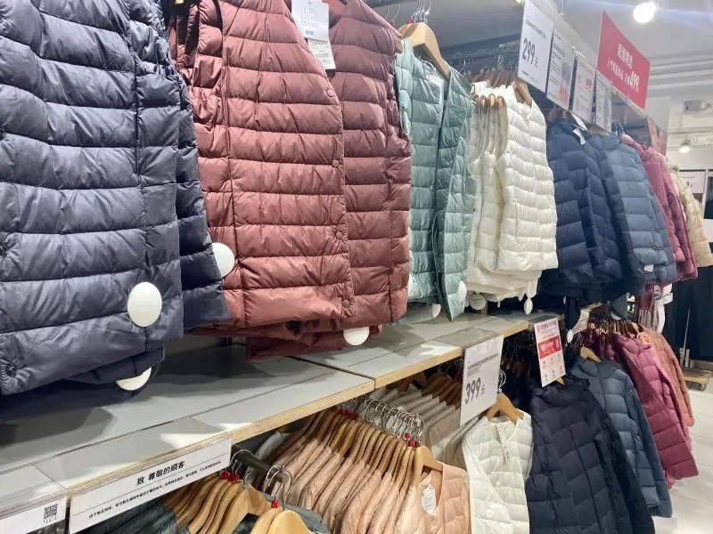 """""""加拿大鹅卖断货""""上热搜!上海还真的有一堆人在排队!羽绒服鄙视链 侬晓得伐? 爸爸 第23张"""