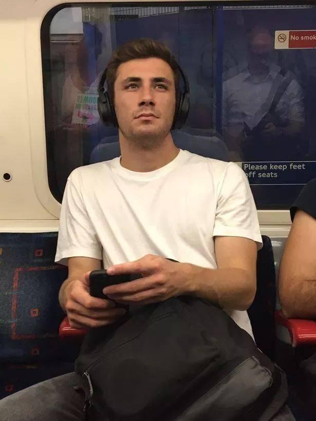 """""""偷拍地铁帅哥门""""引发争议,却没想到原来这样的男人最受欢迎..."""