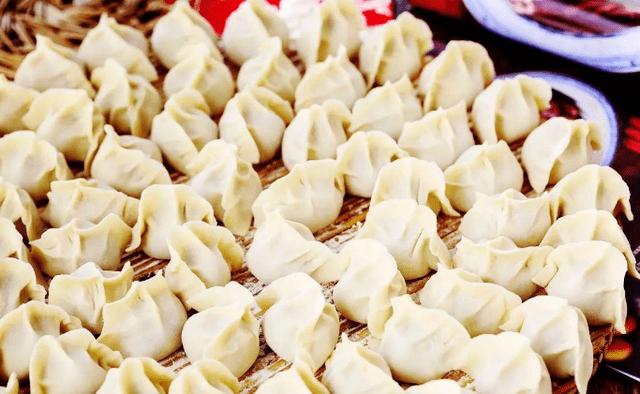 包饺子调肉馅怎么做才香?别放料酒,牢记正确做法,饺子鲜香流汁