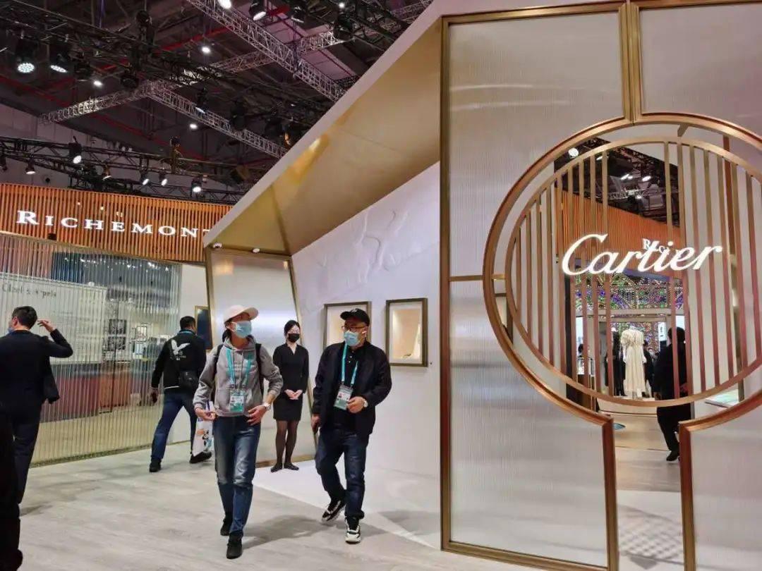 历峰集团最新季度报告:中国大陆销售额增长80%,卡地亚和梵克雅宝引领珠宝增长14%