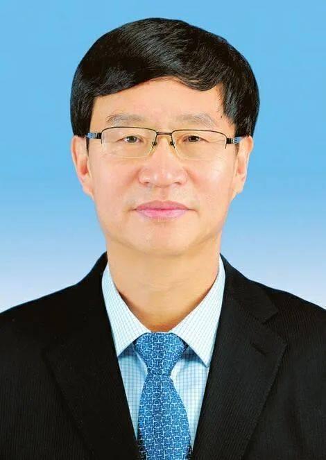 省政协十二届四次会议举行第三次全体会议
