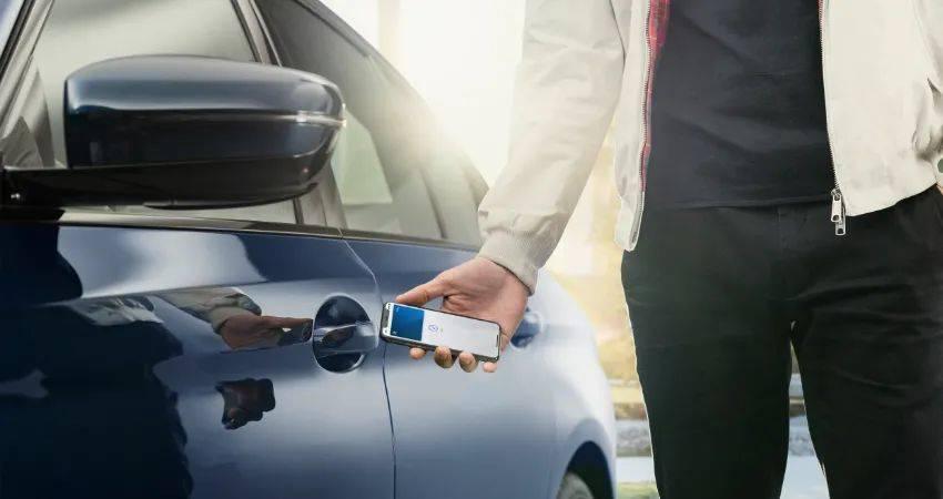 三十年,苹果特斯拉们是如何干掉车钥匙的?