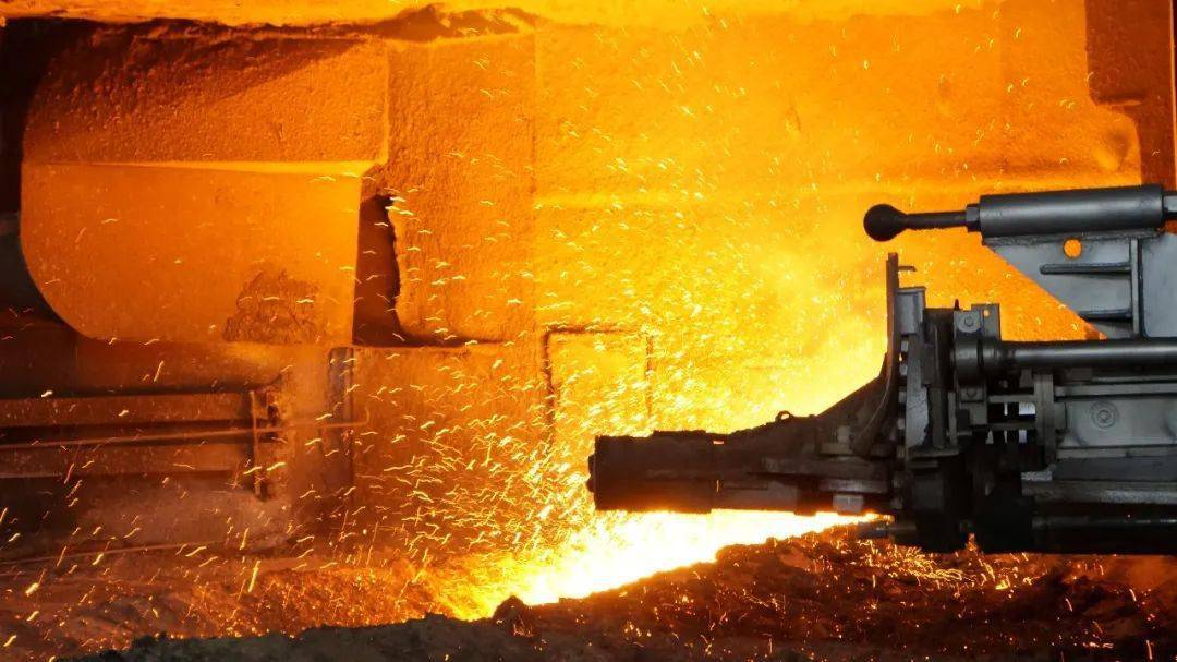 炼铁厂8号高炉成功恢复生产