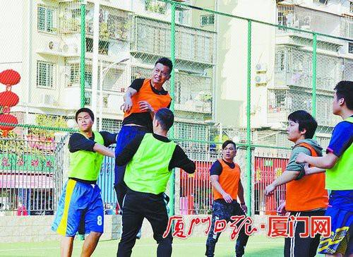亚洲地区级裁判员来厦讲课足球教练、裁判培训机构重视实战演练