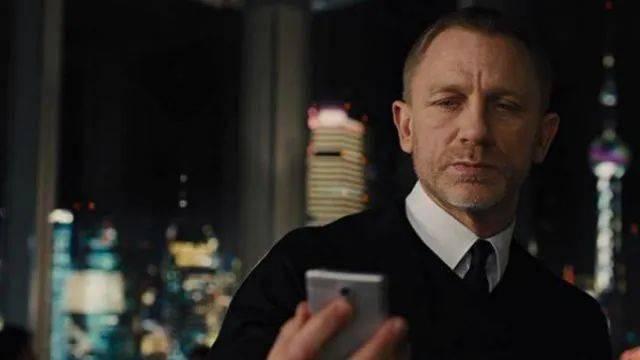 原创             你可以在生活之外的任何地方,看到索尼手机。。。