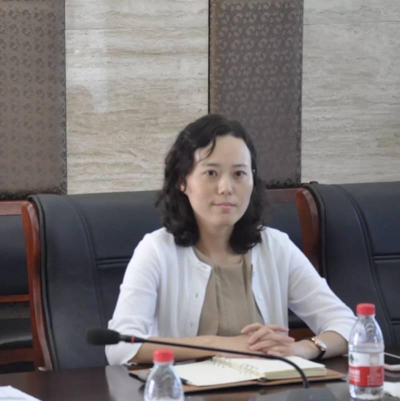 上海一女官员搞钱色交易,为商人男友争取退税千万!获刑十年