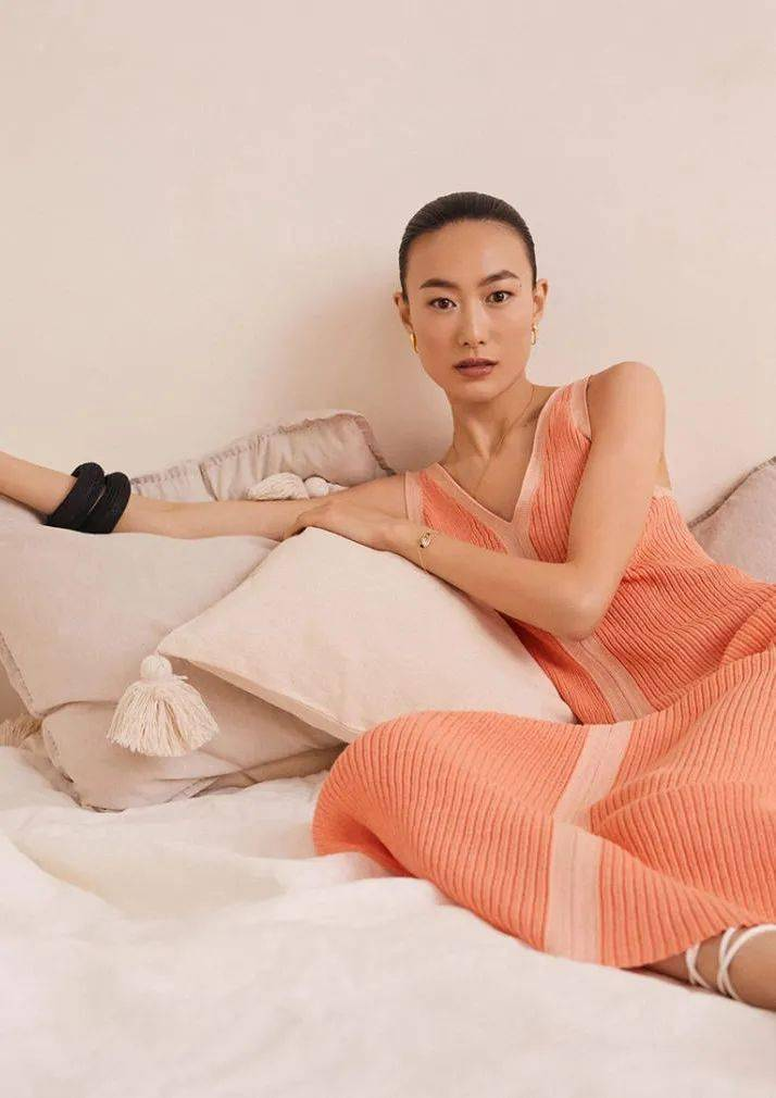 春季穿针织连衣裙,时髦又气质!