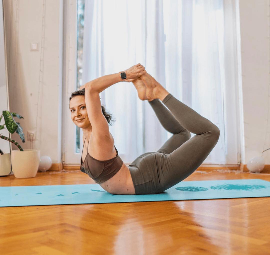 试试这个瑜伽后弯体式,有5种变体,拍照打卡超好看!_弓式
