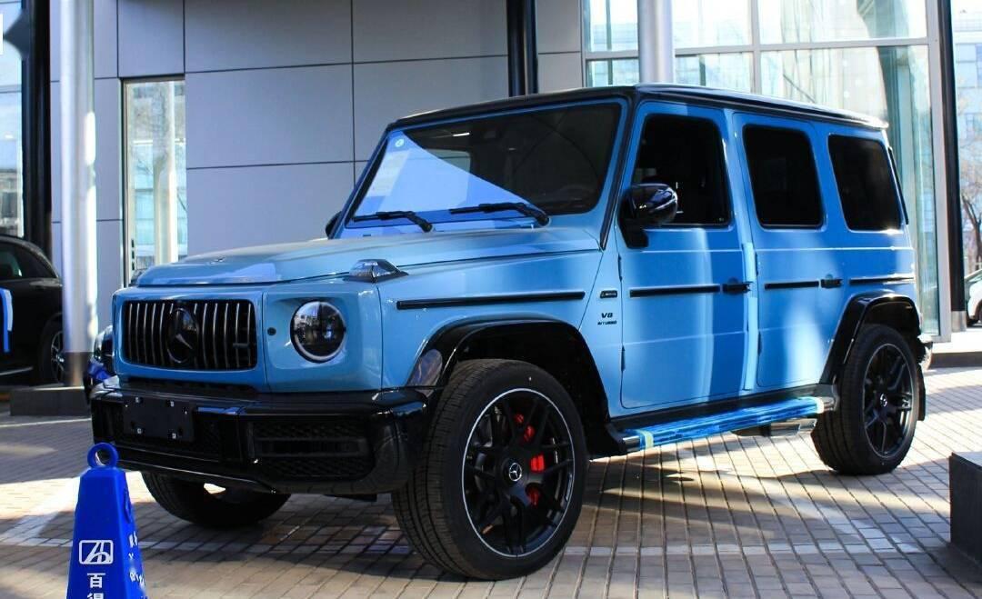 新款奔驰G来了,天蓝色涂层4.0T,越野比路虎Defender更霸气