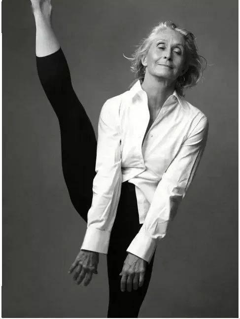 你见过 96 岁的瑜伽少女吗?这个女人震惊了全世界!_Sues