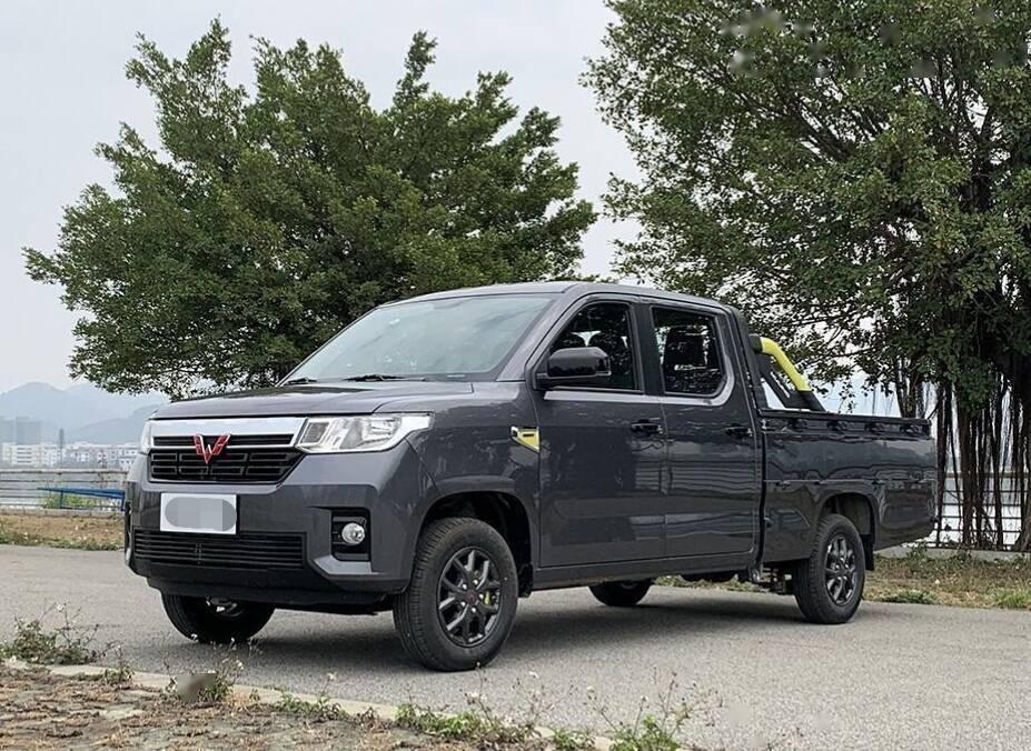 五菱之旅第一批到店,预售价格曝光,1.5动力5MT,真车真帅