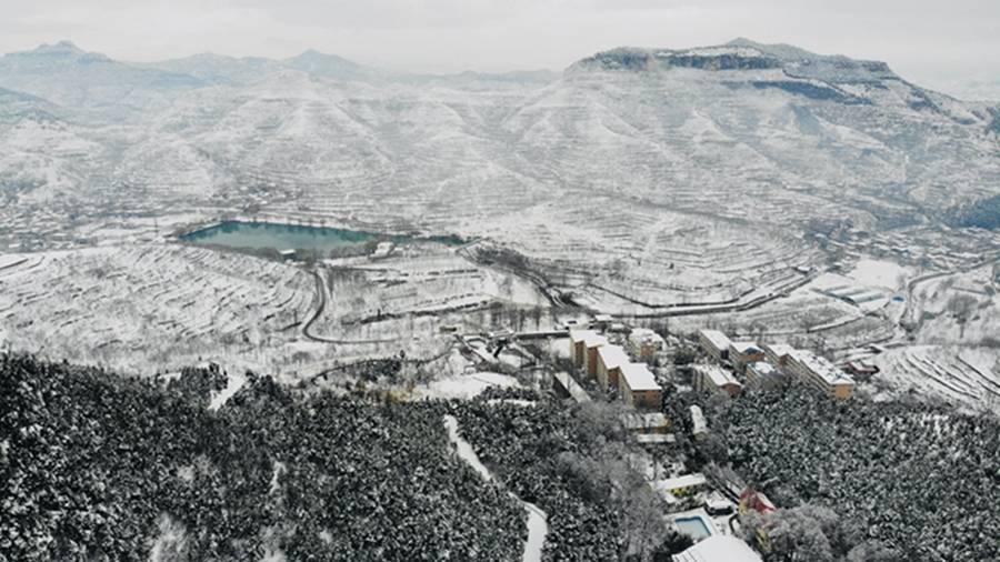 济南市南部山区再下雪袁洪峪重现老舍金庸小说冬天雪景