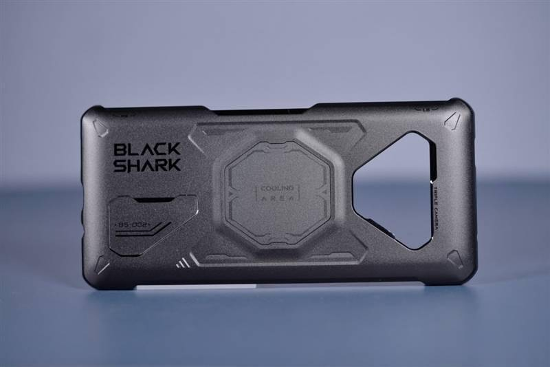 """自带""""固态""""速度直逼3Gbps!黑鲨4 Pro评测的照片 - 21"""