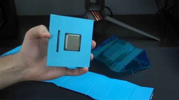 Intel 11代旗舰i9-11900K提前到手!波浪形包装盒吸睛的照片 - 14