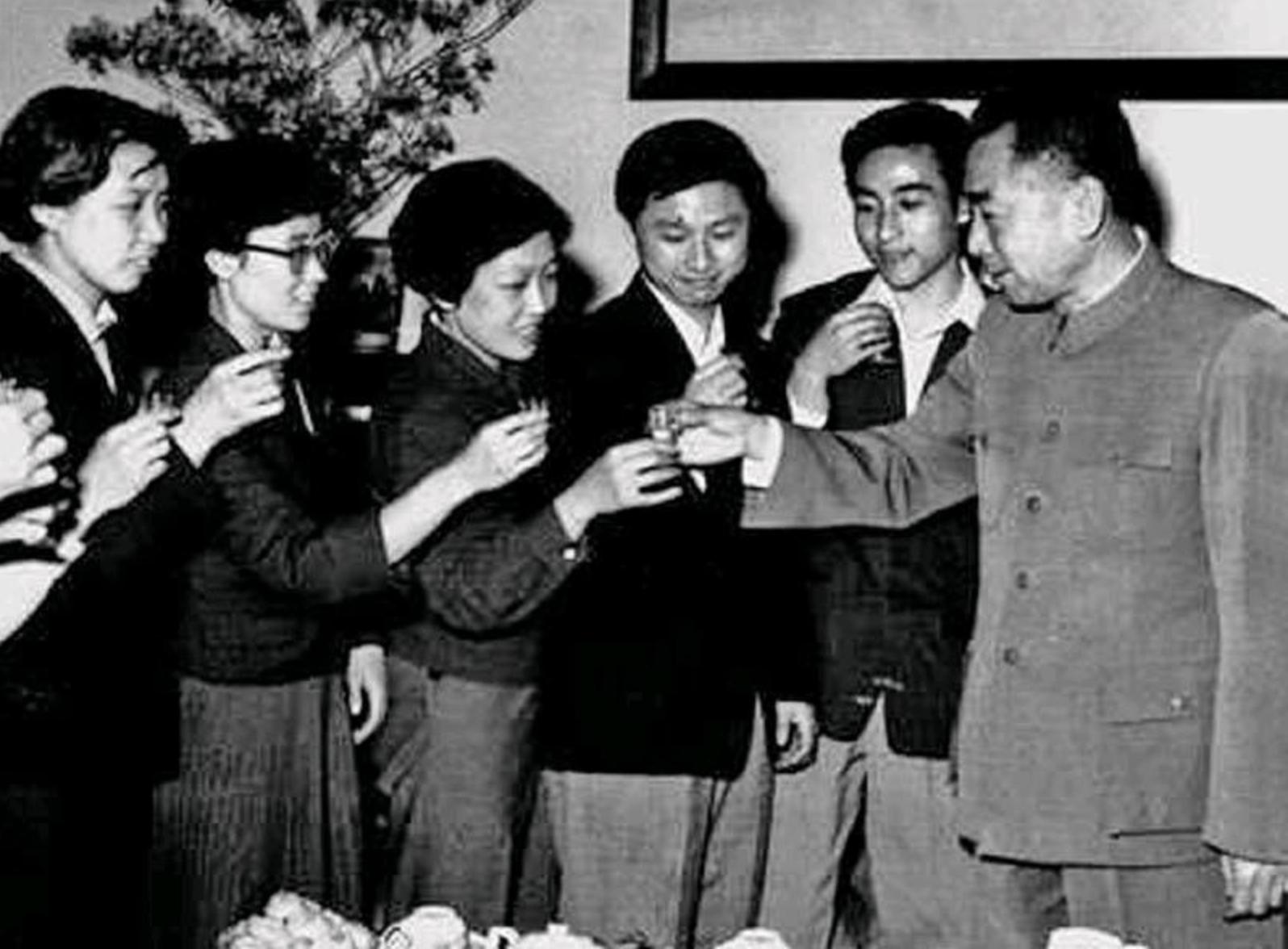 """国乒首冠60周年 周总理教诲中国乒乓球队要凭""""真本事""""赢"""