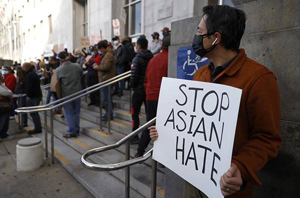 纽约再发生攻击亚裔事件:66岁老人当街遇袭,视力受损