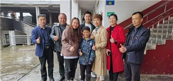 父母均患病,湖南11岁男孩两天挖笋860斤,卖的钱都交给父亲!后续很温暖