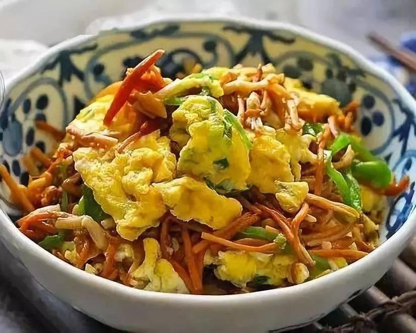 金针菇和它炒才是绝配,越吃越香,每次炒一盘,女儿都吃撑!
