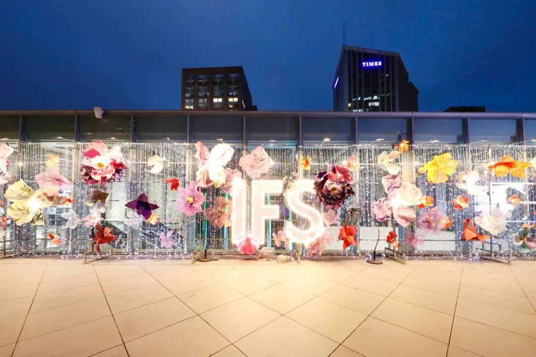 潮周末:城中游玩 文艺青年如何玩转购物中心|封面天天见·逛姐出街