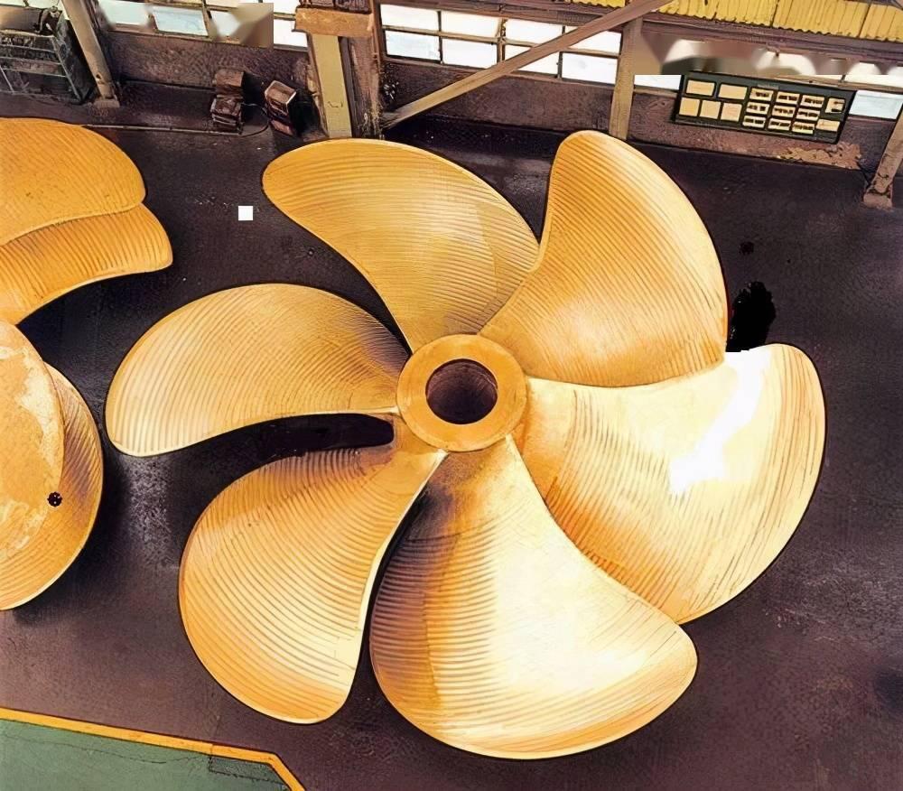 我国造出世界最大船用螺旋桨,4层楼高重480吨(图8)