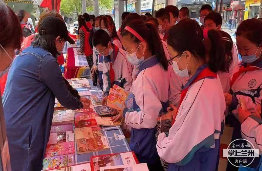 """正宁路社区:共享集市""""图书漂流"""",让红色党史薪火相传"""
