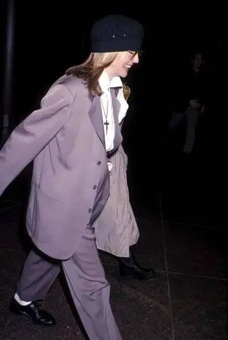 衣品||75岁还是最酷的女神 如何穿成戴安·基顿? 爸爸 第19张