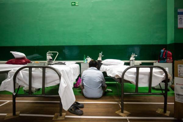 """""""过去24小时,平均每秒就有四人确诊!""""印度医疗系统满负荷运转"""