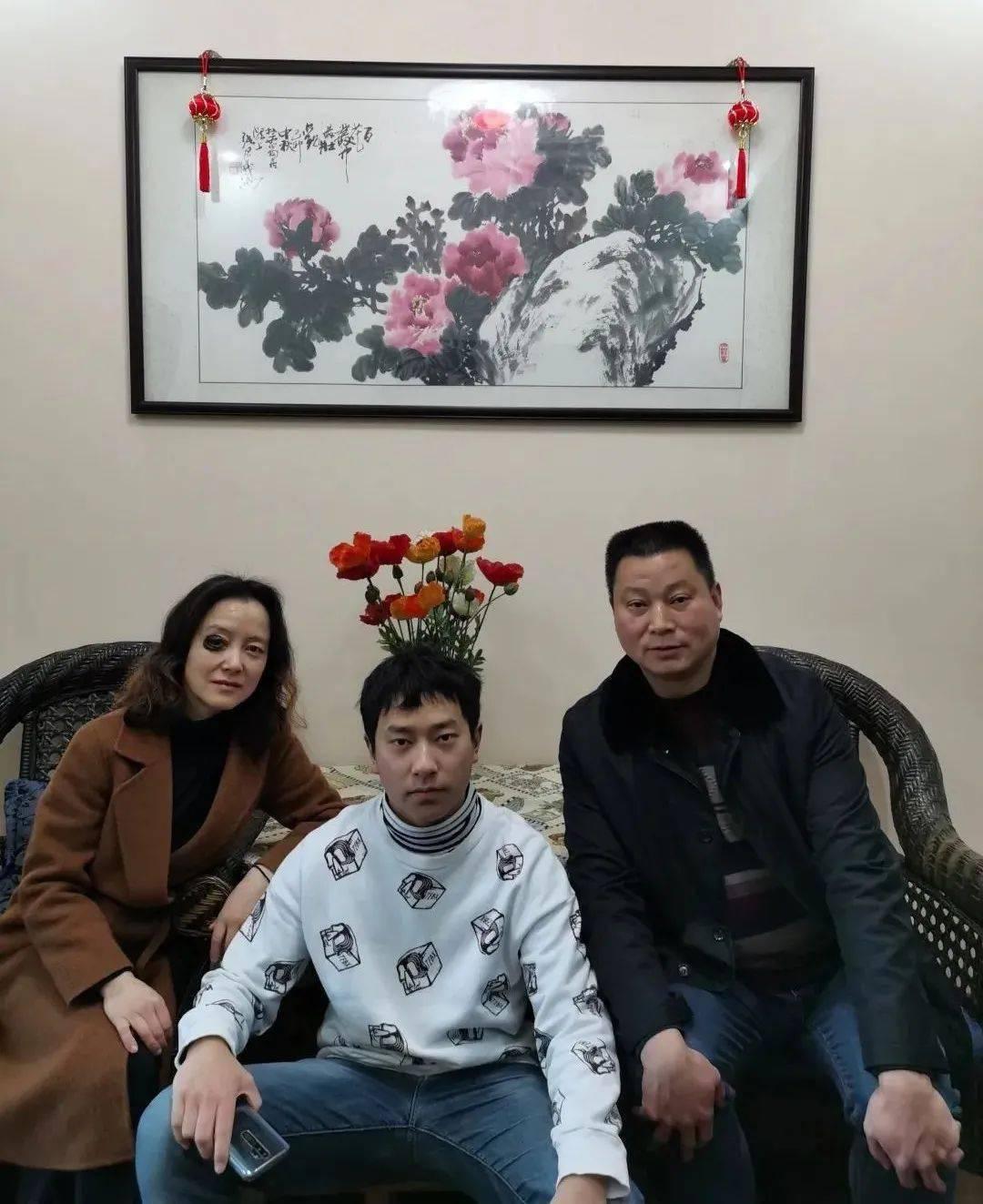 """点赞!都江堰市市场监管局这个家庭荣获""""四川省最美家庭""""称号!"""