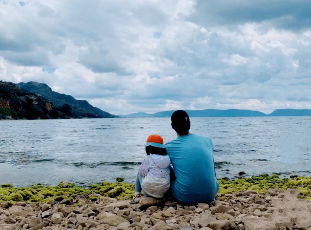 71天,4139公里!90后单亲爸爸带4岁女儿骑行西藏:这样的童年太治愈了