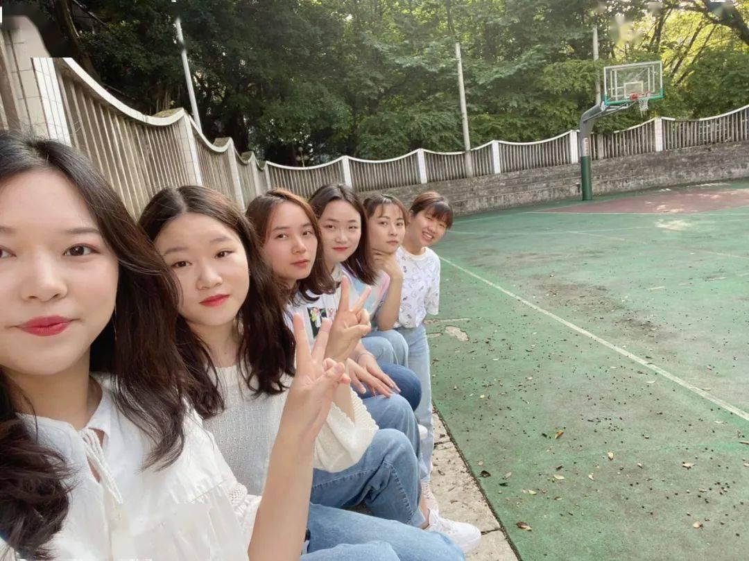 火了!四川文理学院这东莞市职业技术学院个寝室,6名女生全部都…