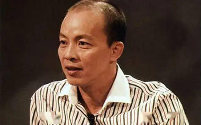越南艺术家德海因发表粗俗言论被免去副校长职务