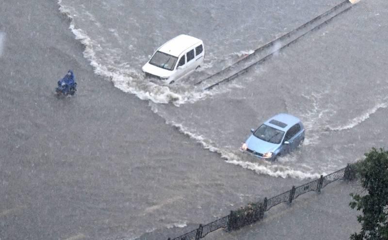 河南在暴雨中,救援要拼速度