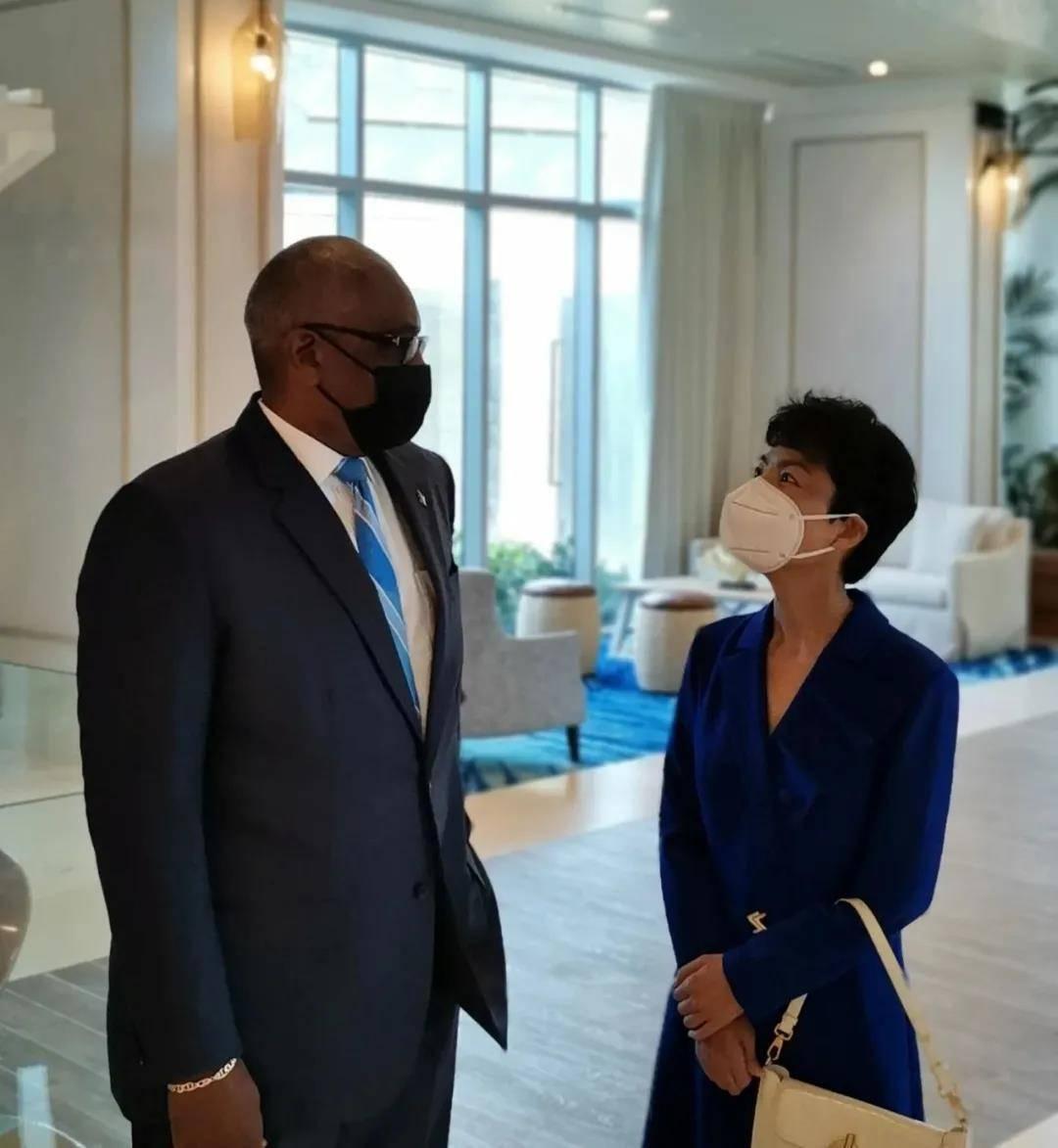 驻巴哈马大使出席中巴合作项目开业仪式
