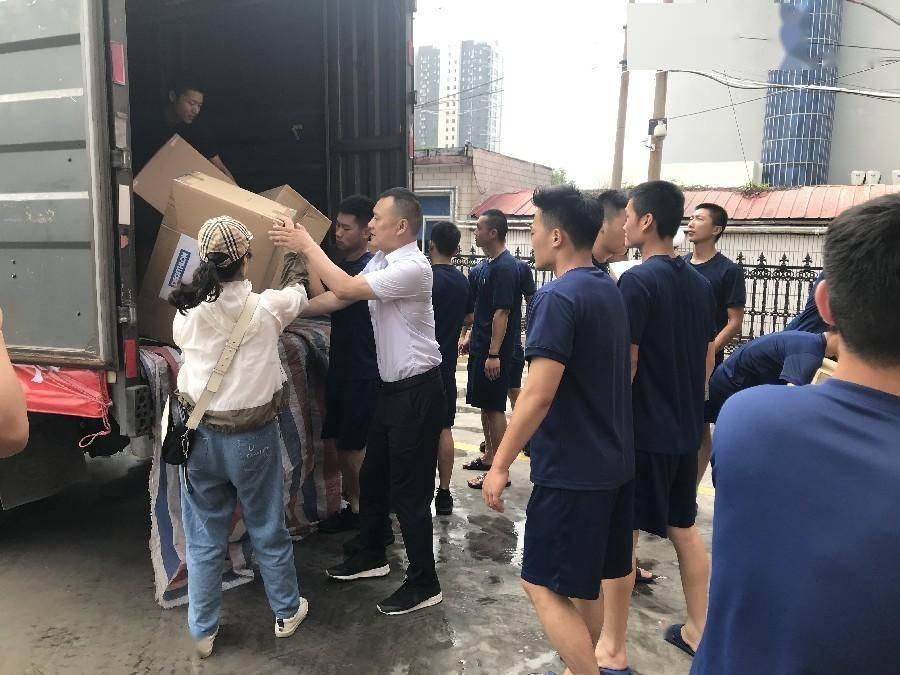 外商投资企业迪卡侬驰援新乡抗洪救灾