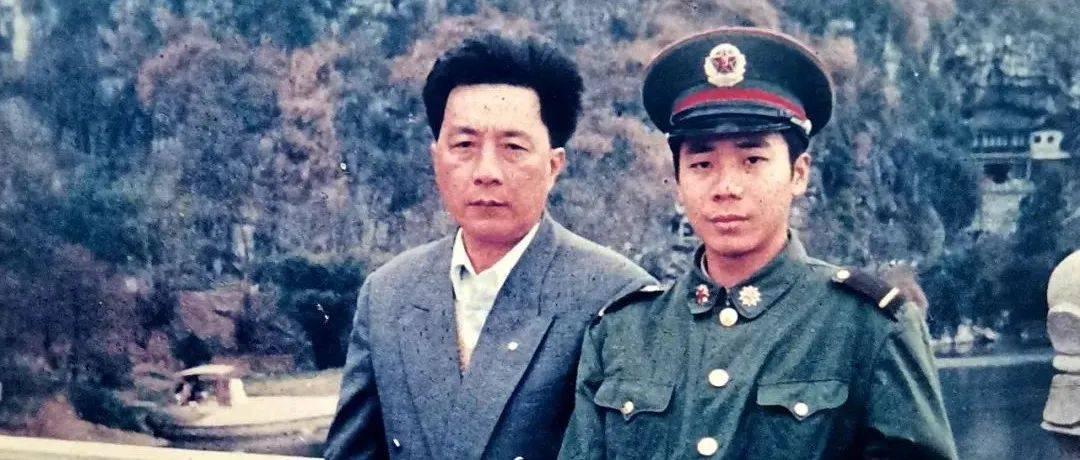 20岁的儿子牺牲了,父亲穿上他的军装冲上前线……