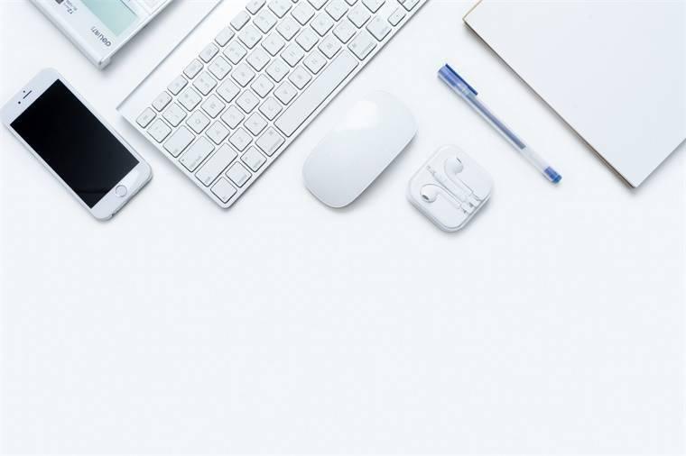 """彭博社:iPhone 14将会""""完全重新设计"""",无刘海外加""""打孔屏"""""""